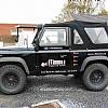 FT Immo - Een mooie wagen voor het plaatsen van belettering is de land-rover. Startend vanaf de zwarte kleur zorgt onmiddellijk voor de nodige oogstrelingen.