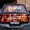 vyncke vlasroute vlammen - De terreinwagen is voorzien van clear vision op de achterruit. van buienaf zien we mooi d vlammen. Van binnen kan men dwars doorheen de klever kijken.